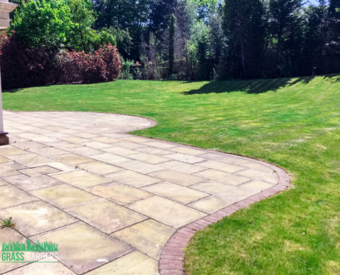 Garden maintenance services in Oxshott KT22
